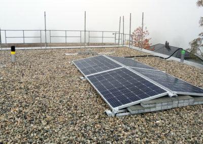 Installation de 4 modules solaires à Arzier