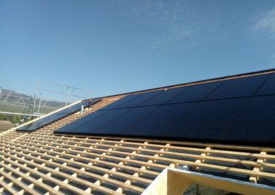 Installation 16 modules solaires en intégré à Chéserex (2 toitures)