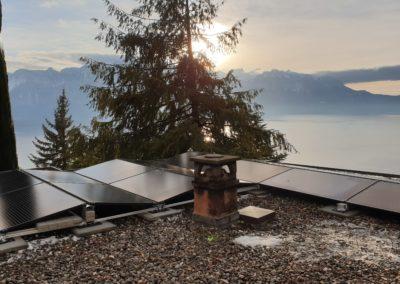 Installation 16 modules solaires sur toiture plate à Chernex
